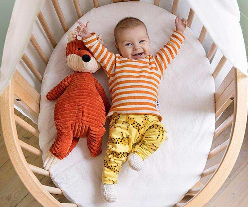 minicuna para bebés ovalada de Stokke