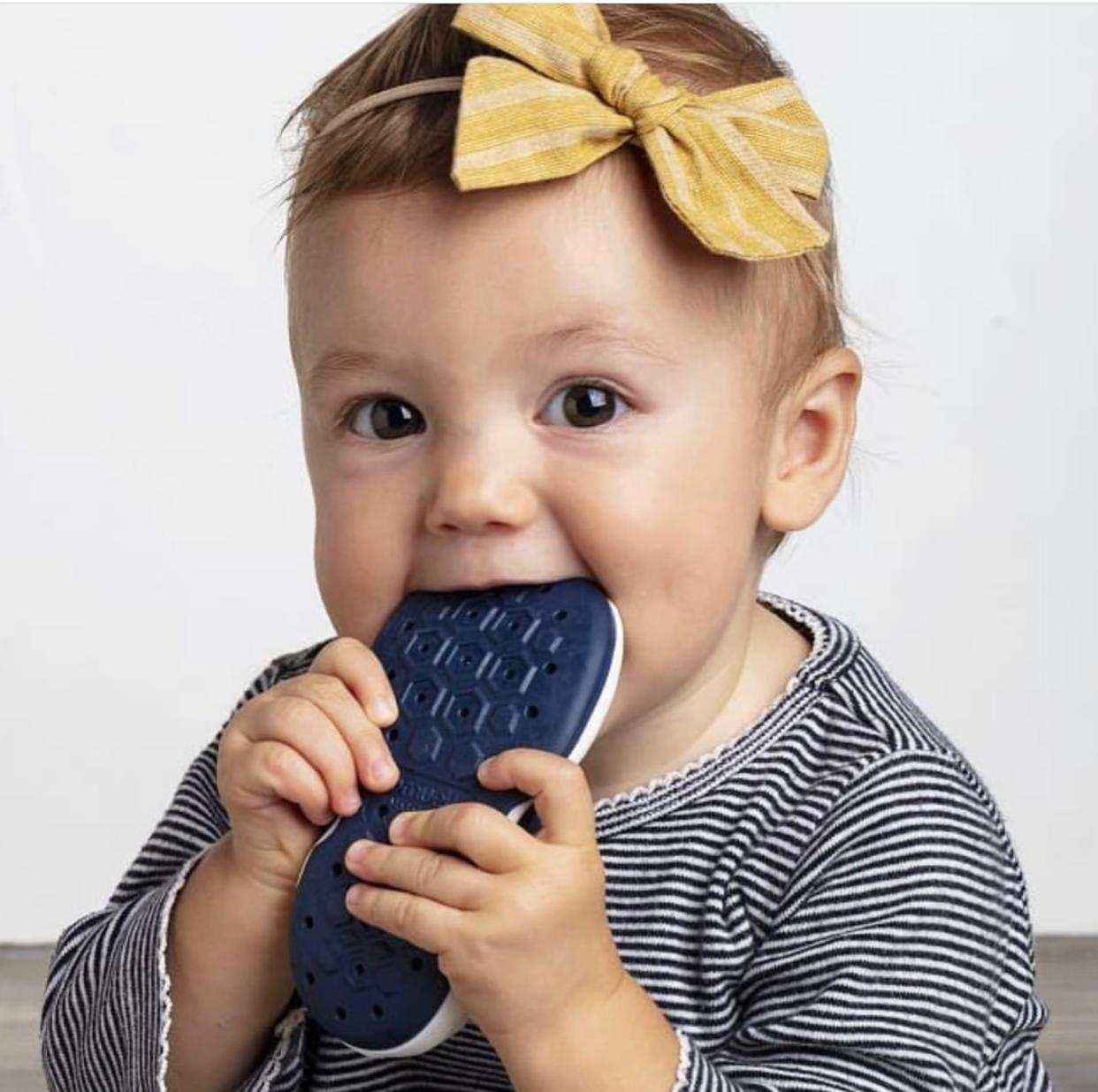 zapato primeros pasos bebes transpirable y flexible marca Banannas